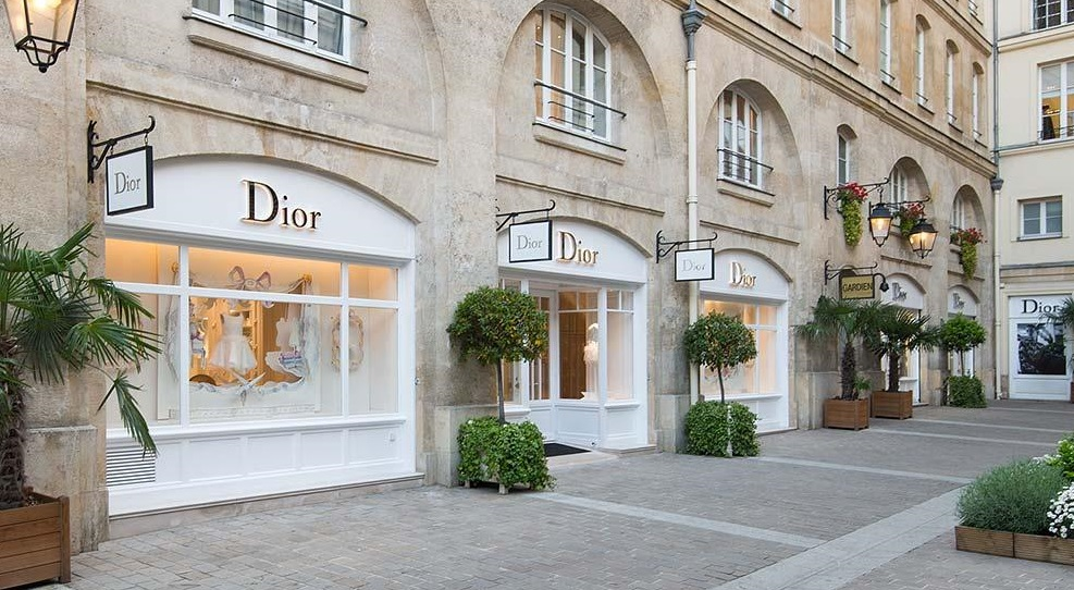 Discover the new Baby Dior and Dior Kids boutique in Paris