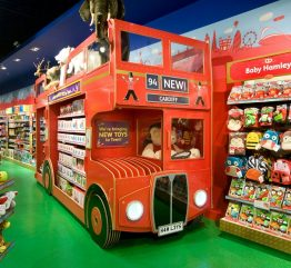 Best places to shop: Top 5 Best Toy Stores in the World ➤To see more Interior Design Shop ideas visit us at http://interiordesignshop.net/ #interiordesignshop #bestshops #bestinteriordesignshops @intdesignshop best toy stores in the world Best places to shop: Top 10 Best Toy Stores in the World hamleys iconic bus 262x241