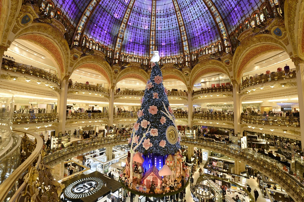 Best Places for Christmas Shopping in Paris ➤To see more Interior Design Shop ideas visit us at http://interiordesignshop.net/ #interiordesignshop #bestshops #bestinteriordesignshops @intdesignshop